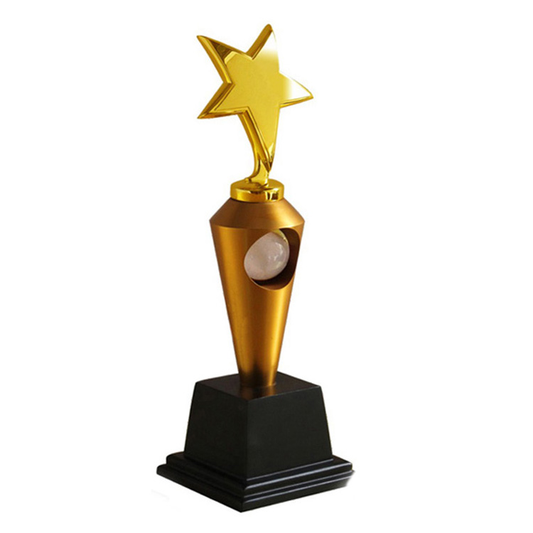 title='High quality golden figurine trophy metal trophy awards for Oscar'